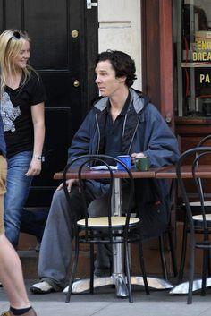 2013 08 21 - London - Filming ' Sherlock ' Season 03 by Perry Smylie (1743×2608)