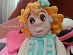 Figurita en pasta de azúcar para la tarta de Monster High para Paula_1 agosto 2012