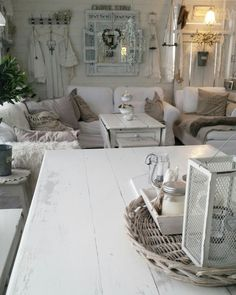 #shabbychic #livingroom #whiteinterior #vintage #diningtable #patina Cottage Shabby Chic, Shabby Chic Farmhouse, Cottage Style, Shabby Chic Romantique, Shades Of White, Country Decor, House Plans, Dining Table, Pastel