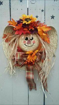 Best Ideas To Create Fall Wreaths Diy: Top 30 Handy Inspirations Diy Fall Crafts best fall diy crafts Thanksgiving Wreaths, Thanksgiving Decorations, Holiday Wreaths, Autumn Wreaths, Christmas Decorations, Fall Decorations Diy, Fall Mesh Wreaths, Fall Deco Mesh, Spring Wreaths
