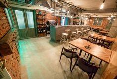 Rezervări la Simbio Kitchen & Bar, București. Restaurant, bar, gastro pub, evenimente cu specific urban și internațional și american din Moșilor pe ialoc.ro, platformă de rezervări online in localuri din România.