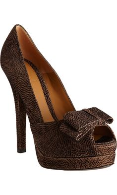 Fendi Bow Peep Toe Pump. I want them right now!