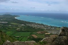 We pick 5 great Oahu hiking trails (and tasty end-of-hike rewards) by Catherine E. Toth | HAWAII Magazine | Hawaii news, events, places, dining, travel tips & deals, photos | Oahu, Maui, Big Island, Kauai, Lanai, Molokai: The Best of Hawaii