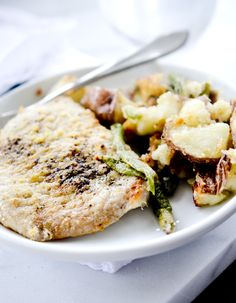 One Pan Pork Chops with Potatoes and Green Beans