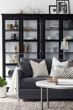 When homeowners invite guests and company into their home typically the first thing that visitors see is the living room, or family room, of the house. Unless there is a foyer before the living roo… Living Room Remodel, Home Living Room, Living Room Decor, Living Spaces, Home Interior, Interior Design, Muebles Living, Living Room Shelves, Cabinet Decor