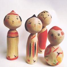 宮島の町屋で、木の器やきのこ、宮島こけしなどの作品を販売しています。商店街から細い路地へ曲がると、見える白い旗が目印。町屋の静かな空間で宮島の空気を楽しんでください。 Kokeshi Dolls, Wooden Art, Wooden Dolls, Folk Art, Oriental, Artisan, Arts And Crafts, Miniatures, Hand Painted