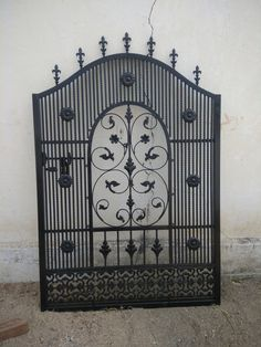 Iron Gate Design, House Gate Design, Iron Fence Gate, Iron Gates, Grill Gate, Porche, Entrance Doors, Welding, House Plans