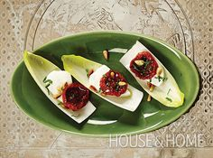 Winter Caprese Bites - Best hors d'oeuvres for holiday parties. Salad Recipes, Cake Recipes, Healthy Recipes, Holiday Recipes, Dinner Recipes, Canning Tomatoes, Hors D'oeuvres, Antipasto, Popular Recipes