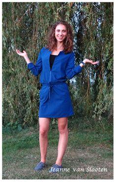Zomers blauw jurkje - Jeanne van Slooten