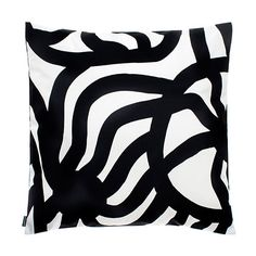 Marimekko throw pillows in a variety of designs. Choose from over 30 Marimekko throw pillows for your seating, bedroom or as a home accent. Throw Cushions, Outdoor Throw Pillows, Color Patterns, Print Patterns, Fabric Patterns, Outdoor Pillow Covers, Ceramic Design, Cushion Covers, Color Pop