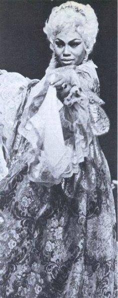 Leontyne Price as Manon Lescaut