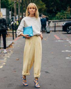 Paris Fashion Week: The transcendental street style looks Fashion Week Paris, Fashion Weeks, Teen Vogue, Street Style Outfits, Look Street Style, Work Outfits, Dublin Street Style, Danish Street Style, Street Styles