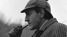 Sherlock Holmes actor Douglas Wilmer dies aged 96 - BBC News