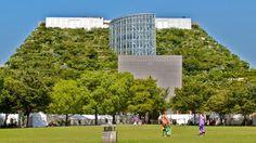 Acros Fukuoka, un edificio-montaña cubierto de vegetación   JAPON