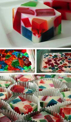 Broken Glass Jello Tutorial!  http://thecakebar.tumblr.com/post/16181367323/broken-glass-jello-recipe