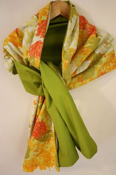 Vintage sheet scarf ~ diy ~ like the 2-tone look and really like that you can make this as long as you might like!