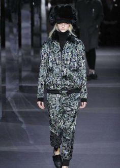sfilata-moncler-gamme-rouge-autunno-inverno-2014-2015-camouflage  #moncler #womenswear #abbigliamentodonna #vestiti #clothes #autunnoinverno #autumnwinter #moda2014 #fashion #autunnoinverno20142015 #autumnwinter2015