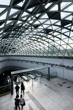 Budapest Underground Line M4 - Bikás Park Station / PALATIUM Studio