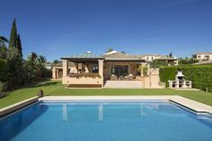 Beautiful family home in the Golf Valley of Nueva Andalucia in Marbella