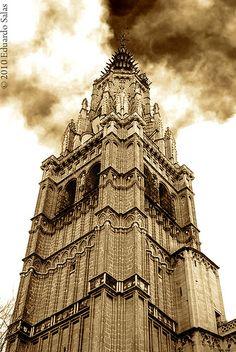 Torre de la Catedral Primada by Havock., via Flickr