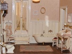 Dollhouse Victorian Doll House | Dollhouse Miniatures / miniature Victorian bathroom
