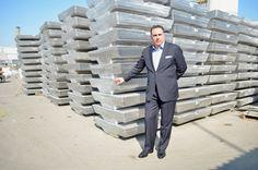 Mario Ramírez Zablah cuenta con una historia de éxito al frente de ARZYZ, ya que de ser una pequeña planta de recolección y separación de aluminio y zinc, este gigante ha crecido y se ha consolidado en la industria nacional e internacional