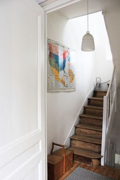 love the map in the stairway