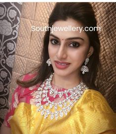 Vandana Srikanth in diamond step necklace and jhumkas photo Dimond Necklace, Pearl And Diamond Necklace, Diamond Choker, Diamond Bracelets, Diamond Jewellery, Emerald Necklace, Bangles, Indian Bridal Fashion, Indian Wedding Jewelry