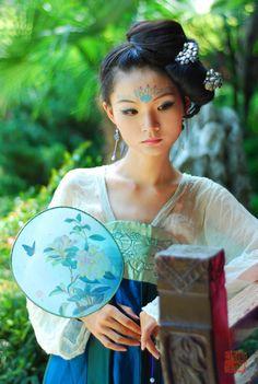 http://img2.duitang.com/uploads/item/201207/27/20120727104937_iWzx3.jpeg