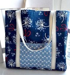 If you're looking for an easy tote bag pattern, free patterns don't get . If you're looking for an easy tote bag pattern, free patterns don't get much better than this one! Best Tote Bags, Diy Tote Bag, Quilted Tote Bags, Patchwork Bags, Bag Patterns To Sew, Tote Pattern, Sewing Patterns, Easy Tote Bag Pattern Free, Wallet Pattern