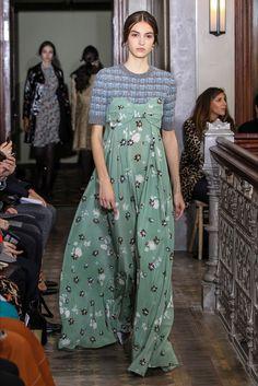 Sfilata Valentino New York - Pre-Collezioni Autunno-Inverno 2017-18 - Vogue