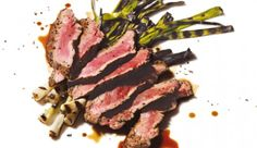 Never did i think i would want a receipe from Men's Health, BUT Bloody-Mary Skirt Steak did it for me. Rinder Steak, Juicy Steak, Flank Steak, Meat Recipes, Healthy Recipes, Healthy Food, Skirt Steak Recipes, Macro Friendly Recipes, Bbq