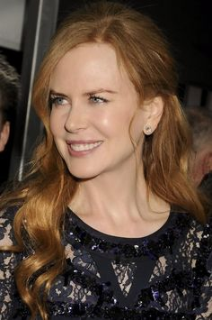 We love the Nicole Kidman's blonde hair. No matter what length of hair Nicole wears, she is glamorous in her chic hairstyles. Casual Hair Updos, Short Hair Updo, Long Curly Hair, Curly Hair Styles, Wavy Haircuts, Chic Hairstyles, Straight Hairstyles, Hair Images, Hair Pictures