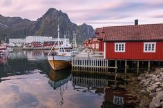 The best time to visit Norway depends on what you plan to do and see, so we've mapped out the best seasons to see Norway's most popular sites! Best Flights, Cheapest Flights, Lofoten Islands Norway, Best Seasons, Find Cheap Flights, Visit Norway, Norway Travel, Photo Location, Places To See