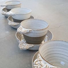 Adding pottery to your home décor is an innovative way of lighting it up and grabbing people's attention. As pottery is so diverse, incorporating it into your interior also offers the perfect oppor… Thrown Pottery, Pottery Mugs, Pottery Bowls, Ceramic Pottery, Pottery Ideas, Ceramic Clay, Ceramic Bowls, Clay Mugs, Clay Design