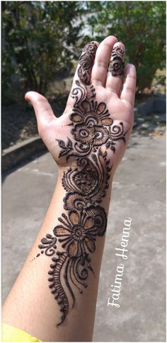 Henna Flower Designs, Finger Henna Designs, Full Hand Mehndi Designs, Henna Art Designs, Mehndi Designs 2018, Stylish Mehndi Designs, Mehndi Designs For Girls, Mehndi Design Photos, Mehndi Designs For Hands