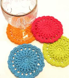 Bullion stitch Coasters: freebie pattern and link to Bullion stitch. A 'different' type than I have seen, thanks so for sharing xox