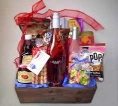 Holiday Gift Baskets, Wine Gift Baskets, Holiday Gifts, Things To Do In Kelowna, Golf Drawing, Real Estate Gifts, Balloon Gift, Wine Festival, Wines