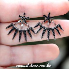 Ear Jacket Rock Negro  Divooo ! Disponível na loja: www.itstone.com.br