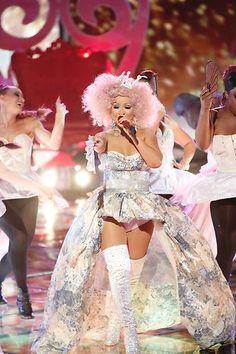 Christina rockin' #MakeTheWorldMove #TheVoice