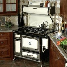 Vintage Appliances: 5 Antique Stoves and Ovens | Stove, Heartland ...