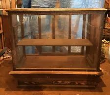Antique/Vintage Display Case Cabin Furniture, Vintage Display, Display Case, Liquor Cabinet, Antiques, Storage, Home Decor, Glass Display Case, Antiquities