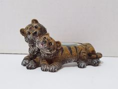 Magnifying Glass Decorative Tigers Resin Desk