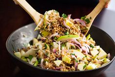Ready for some fall flavors? Try this healthy farro salad made with apples, pears, and pumpkin seeds.