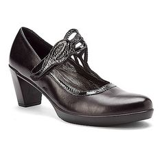 Naot Luma found at Mary Jane Pumps, Crinkles, Shoes Online, Oxford Shoes, Dress Shoes, Feminine, Leather, Accessories, Shank