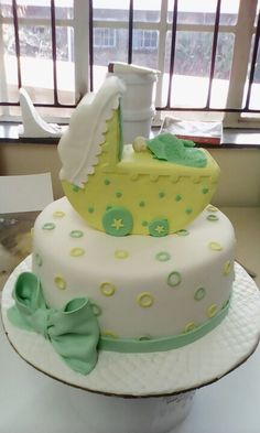 Lemon baby shower cake