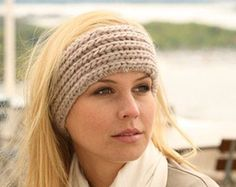 To keep your hairstyle cool have a look on knitted headband pattern Headband and Headwrap Knitting Patterns- In the Loop Knitting Knitting Blogs, Easy Knitting Patterns, Loom Knitting, Free Knitting, Knitting Ideas, Knitting Stitches, Knitting Projects, Knitted Headband Free Pattern, Crochet Headbands