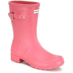 Hunter Original Tour Packable Short Rubber Rain Boots ($140) ❤ liked on Polyvore featuring shoes, boots, mosse pink, rubber sole boots, short rain boots, pull on boots, pink boots and wellington boots