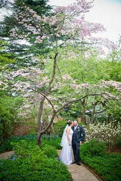The UVA Gardens are so gorgeous in the springtime.  By Cat Thrasher Photography #wedding