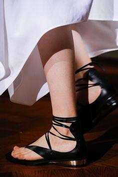 Stella McCartney Spring 2015 Ready-to-Wear Fashion Show Details